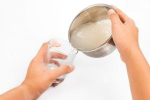 làm trắng da bằng nước vo gạo